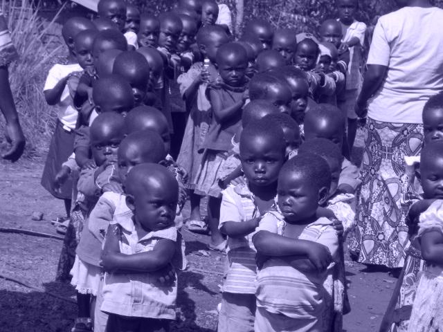 nens en blanc i negre